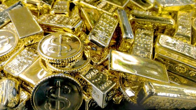 世界の金の埋蔵量が、あとプール〇杯分というのは本当なの?