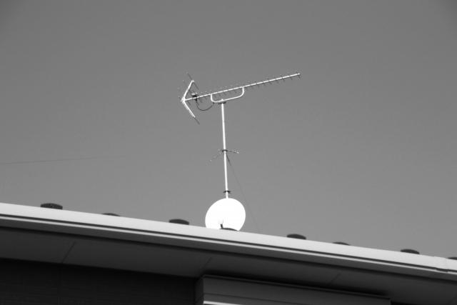 アパートでBS放送を見るためにはBSアンテナの設置が必要?