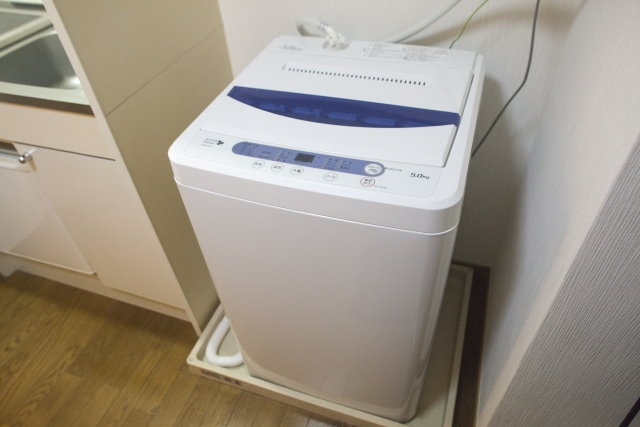 アパートの洗濯機からの水漏れトラブルで支払う修理の範囲は