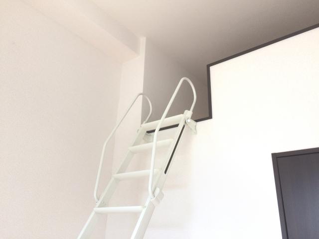 ロフトつきの部屋は、はしごが邪魔?