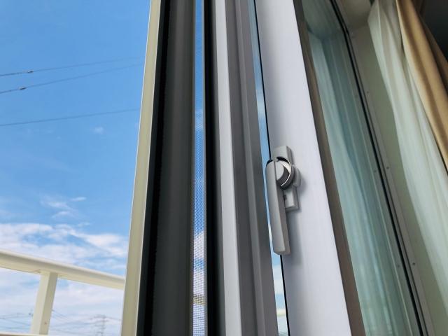 窓のクレセント錠を調整する方法!賃貸でも簡単にできる?