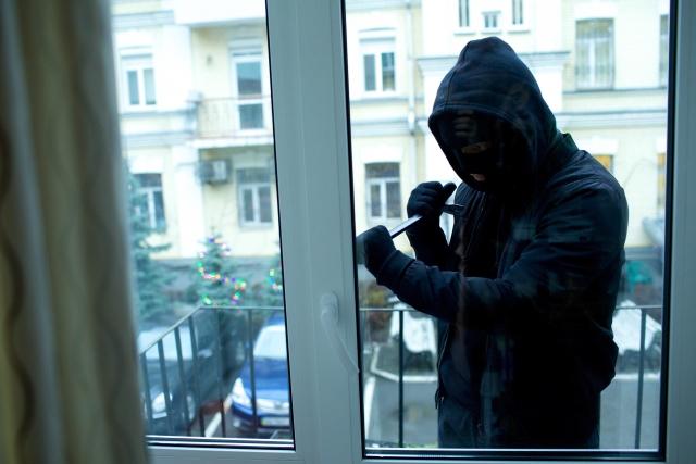 窓の開け方をより複雑に!防犯対策になる鍵を色々ご紹介