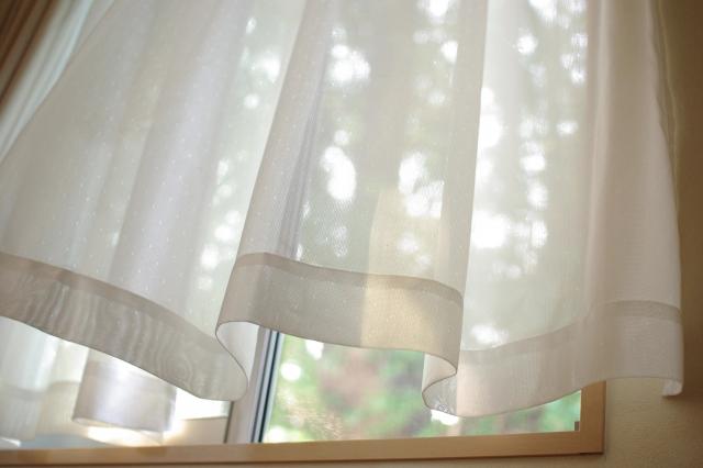 窓が大きいと寒い!冷暖房効率をあげるにはどうしたらいい?