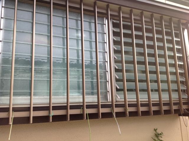 窓に面格子が付いている場合の効果的な掃除方法は?
