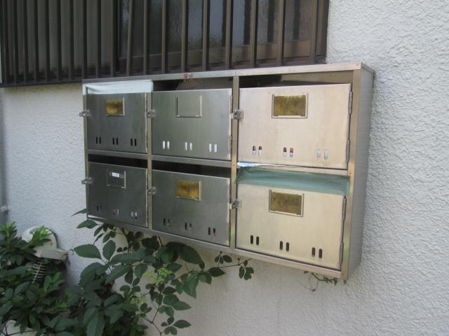 アパートの郵便受けが小さいとトラブル続出!問題点と対策