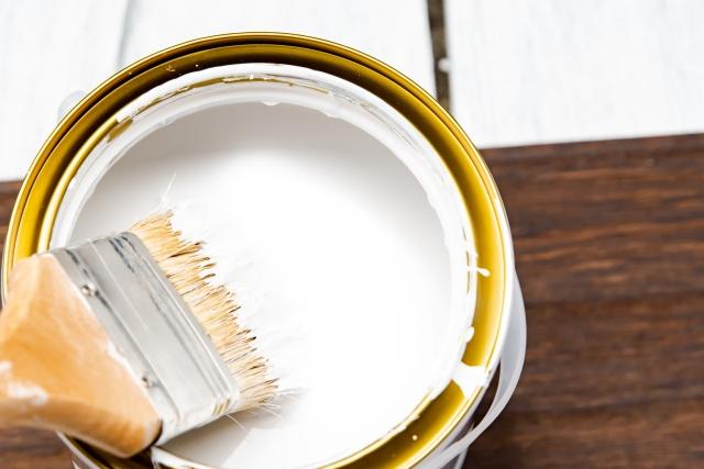 木製の窓サッシの額縁を塗装しよう!くわしい手順をご紹介!
