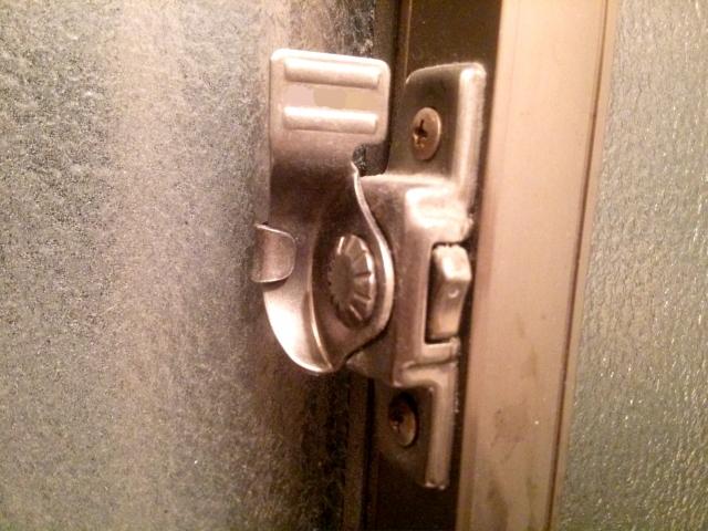 窓の防犯対策に窓ロックがおすすめ!特徴と使い方を徹底解説