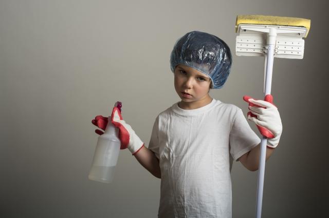 窓クリーナーを使って簡単に!自動で手軽に窓掃除をしよう!