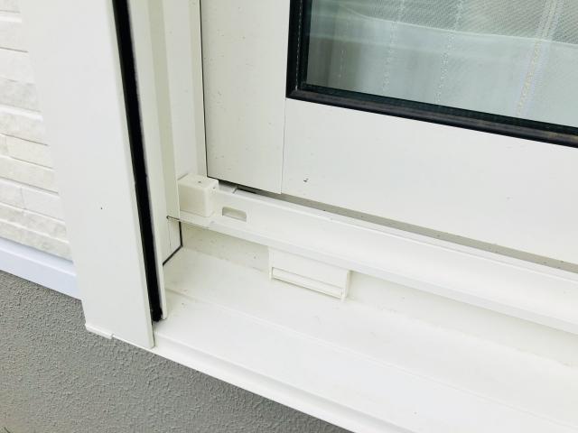 窓の気密性はゴムパッキンが重要!交換時期を見極めよう!