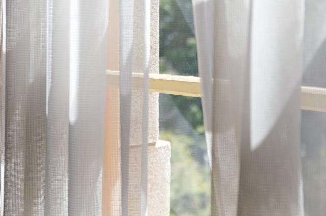 窓に対策を!隙間テープの貼る位置はどこがいい?