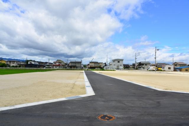 位置指定道路における持分の有無が土地の売買に影響を与える