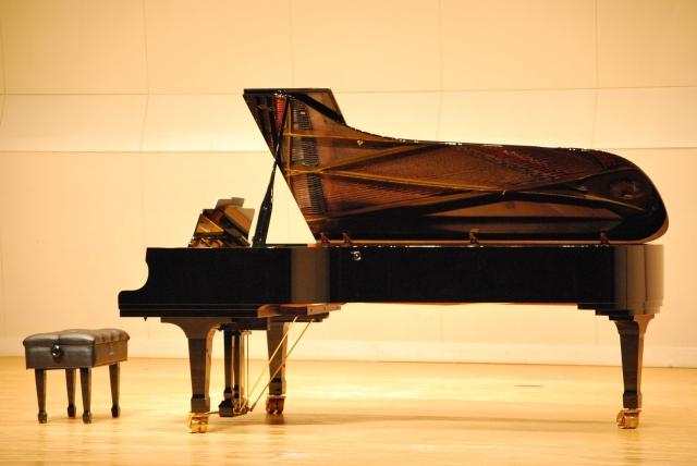 グランドピアノのために増築するかしないかで迷っている方へ