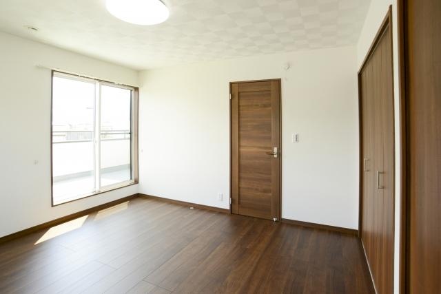 アパートの部屋の壁を防音する!賃貸でも大丈夫な防音シート