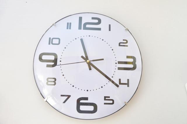 マンションの壁はコンクリート?石膏ボード?時計の設置方法