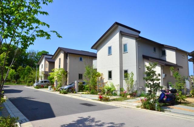 家を建てる時は前面道路が重要になる!?幅員の調べ方とは?
